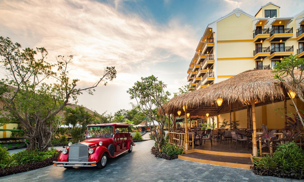 Silk Village Resort & Spa