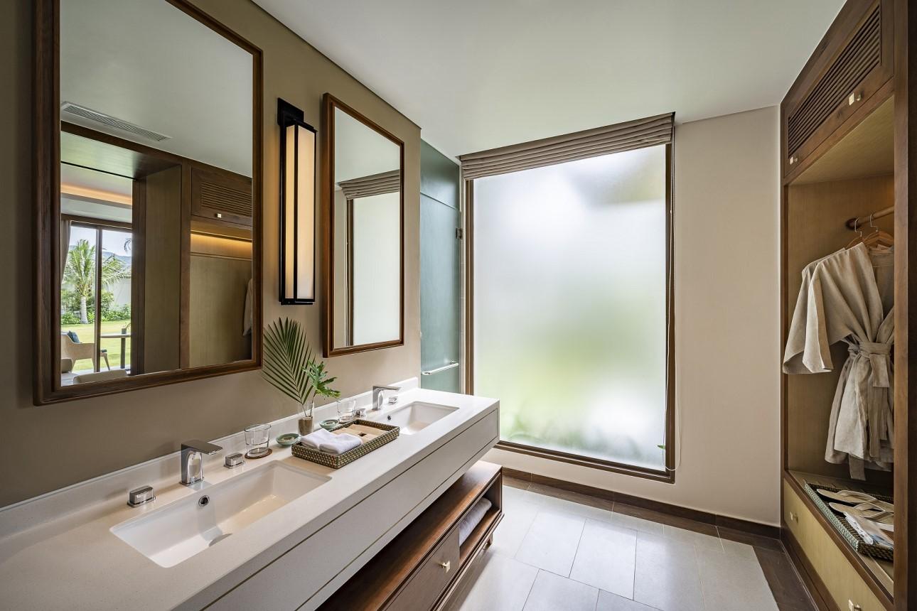 Semi Detached Villa Bathroom
