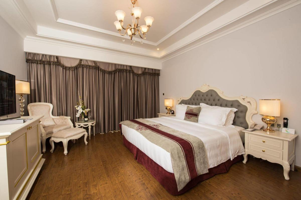 Phòng ngủ hạng Deluxe - Vinpearl Resort Hạ Long
