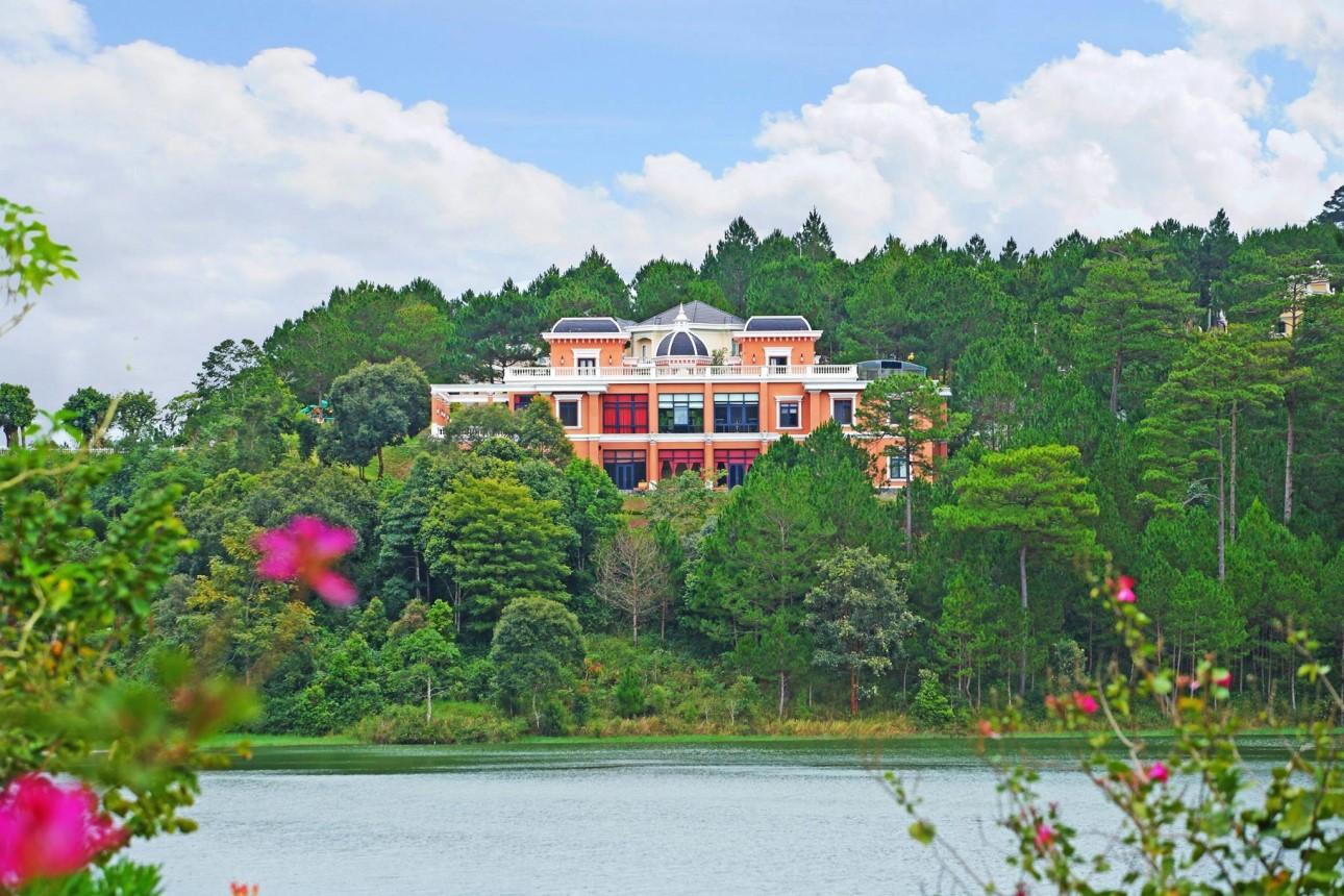 Đà Lạt Edensee Lake Resort