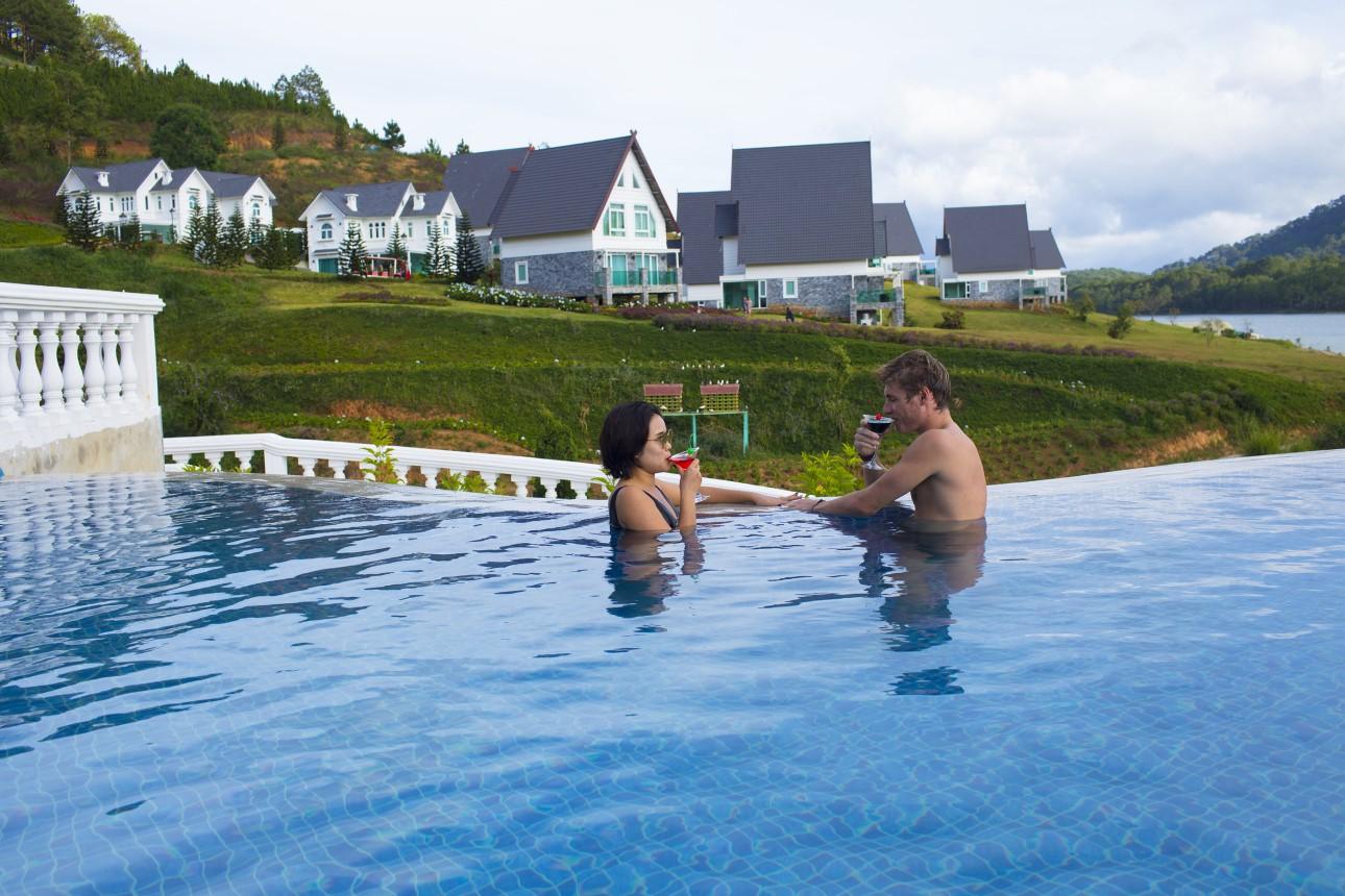 Bể bơi Đà Lạt Wonder Resort
