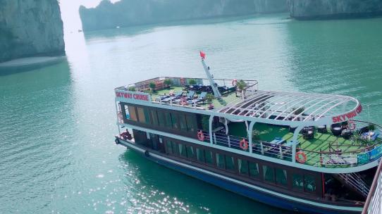 Du thuyền Skyway 1 ngày