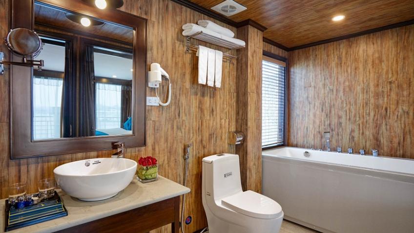 Alisa Bath Room