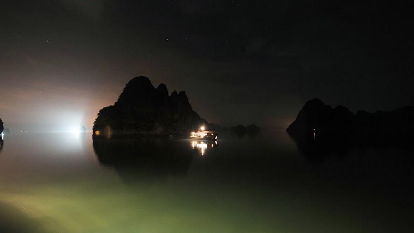 Đêm Trên Vịnh