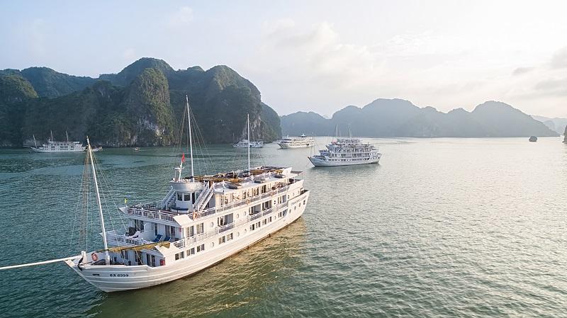 Toàn cảnh du thuyền Paradise Luxury