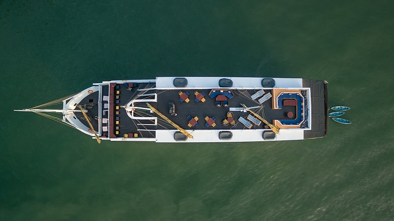 Du thuyền Paradise Luxury từ trên cao