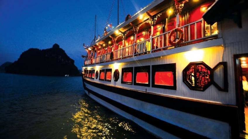 Tàu Về đêm
