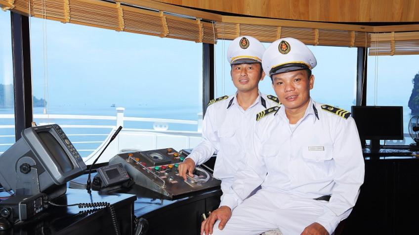 Thuyền trưởng du thuyền