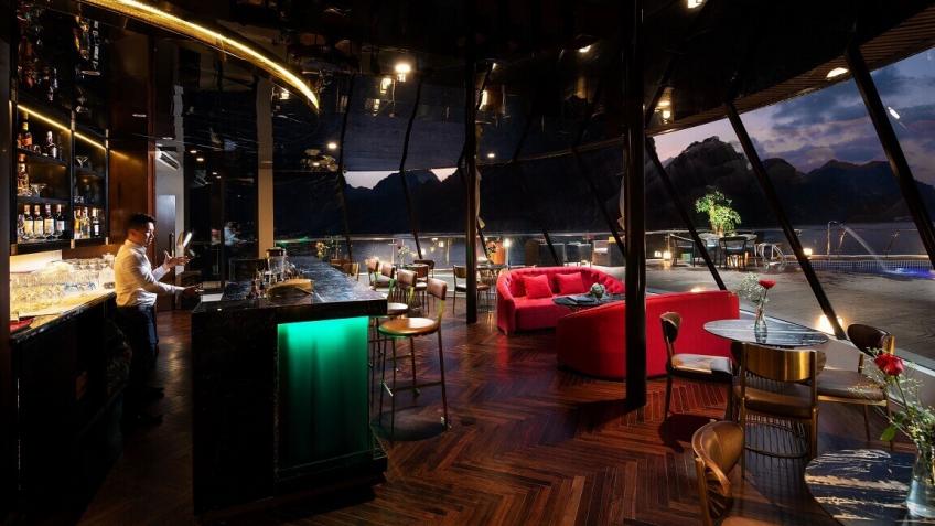 Khu vực quầy bar trên du thuyền Stellar Of The Seas