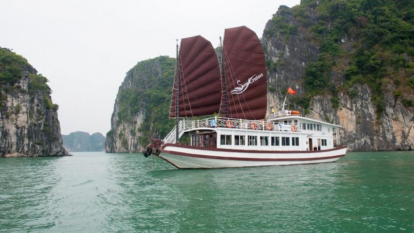 Toàn cảnh du thuyền Swan