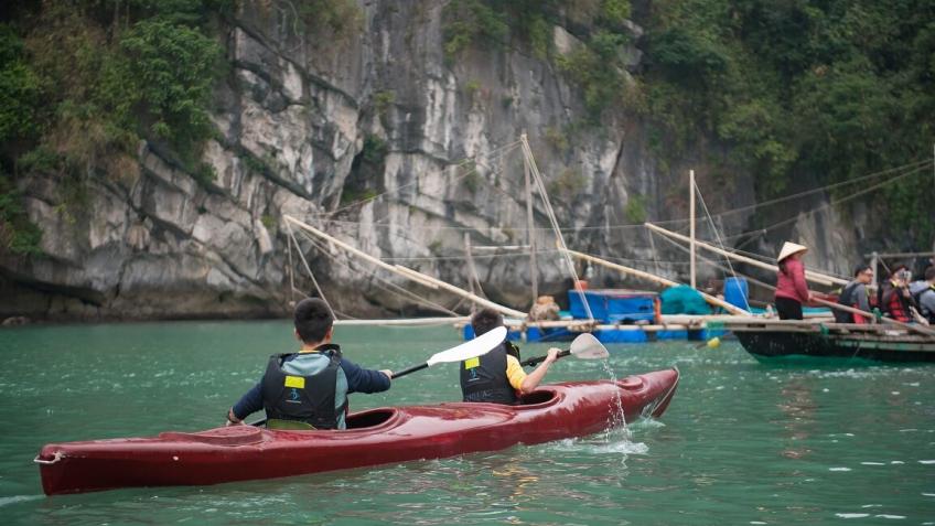 Trải nghiệm chèo kayak