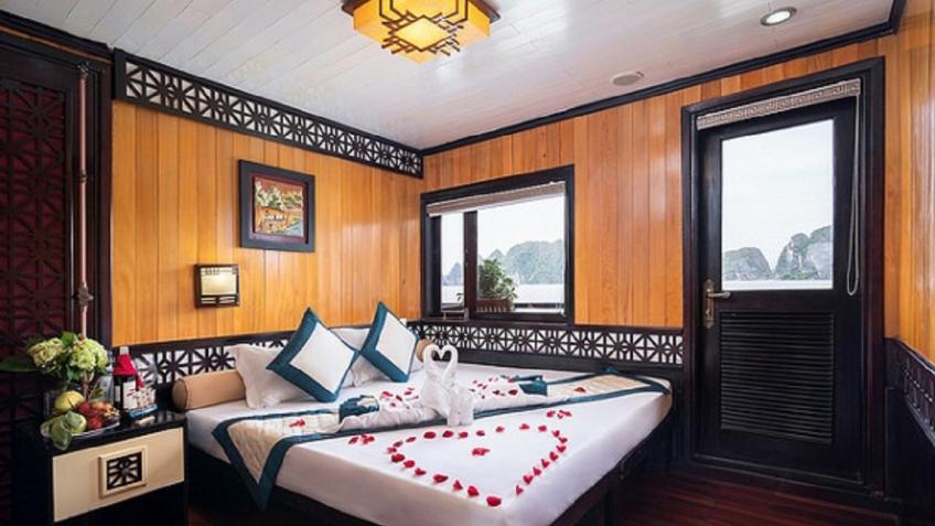 Swan 9 Cabin