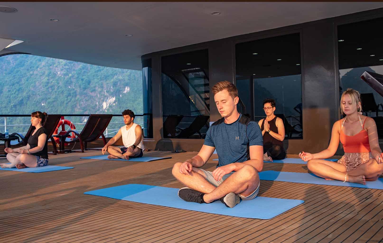 Lớp học Yoga