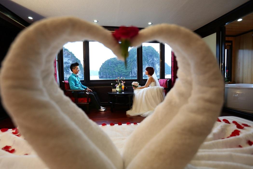 Đám cưới trên du thuyền