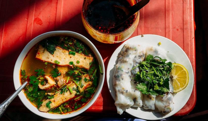 Bánh cuốn chan - đặc sản Đồng Văn