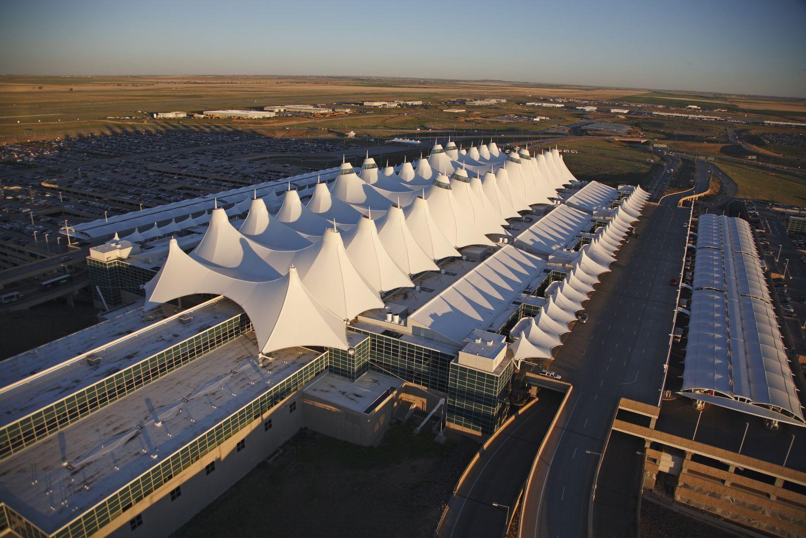 Sân bay Denver