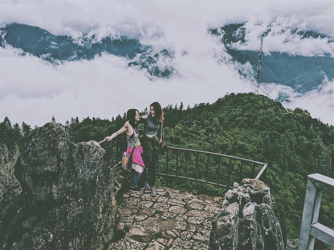 Săn mây tại Núi Hàm Rồng