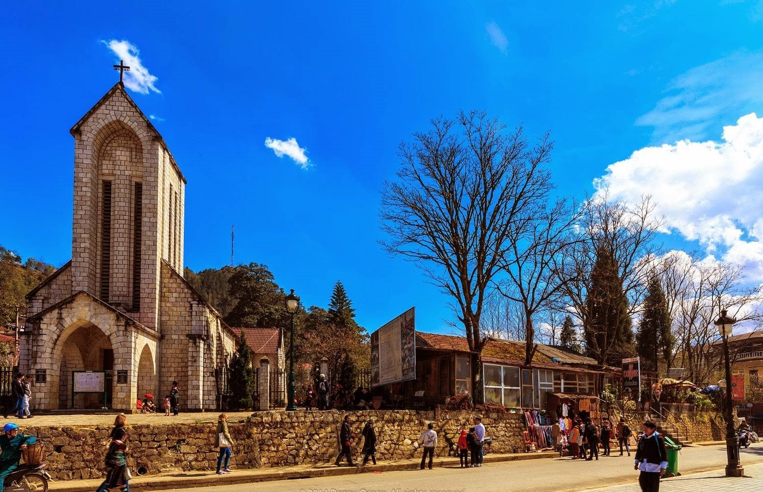 Nhà thờ đá - biểu tượng của thị trấn Sapa