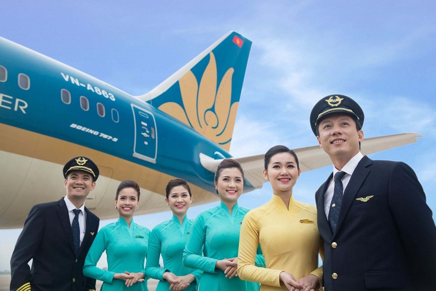 Đội ngũ tiếp viên và phi công của Vietnam Airlines