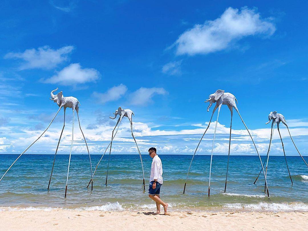 Sunset Sanato Beach Club (Phú Quốc)