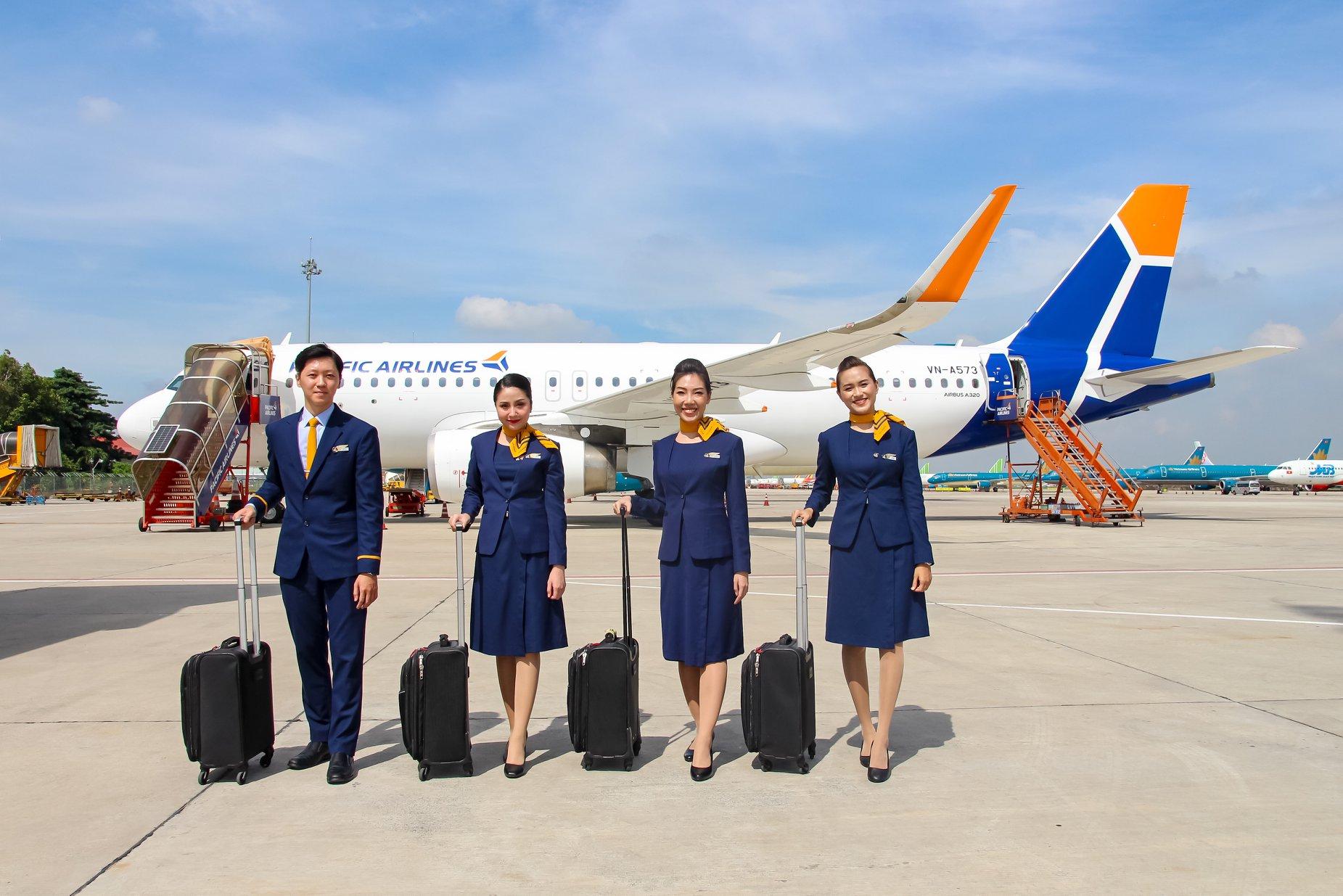 Đội ngũ tiếp viên và phi công của Jetstar Pacific