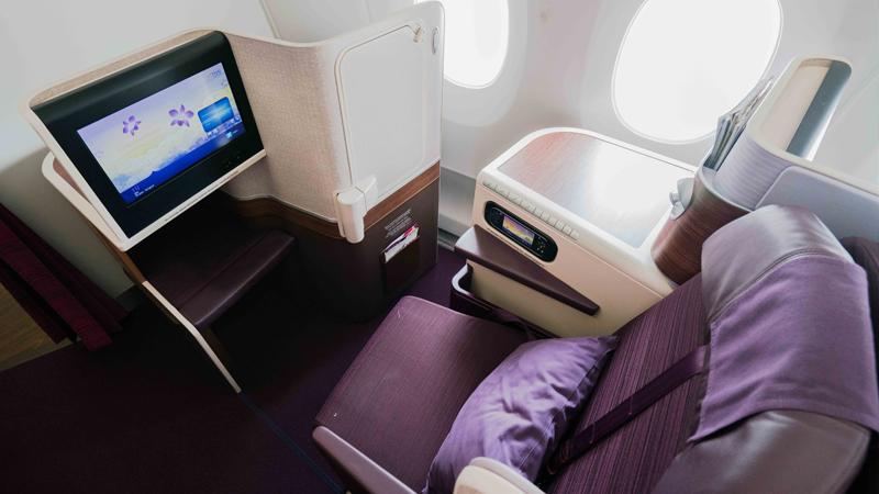 Ghế Hạng Thương gia (Royal Silk Class) của Thai Airways