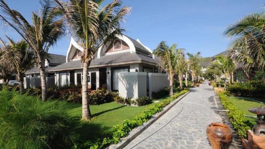 Sân vườn Champa Resort & Spa Phan Thiết