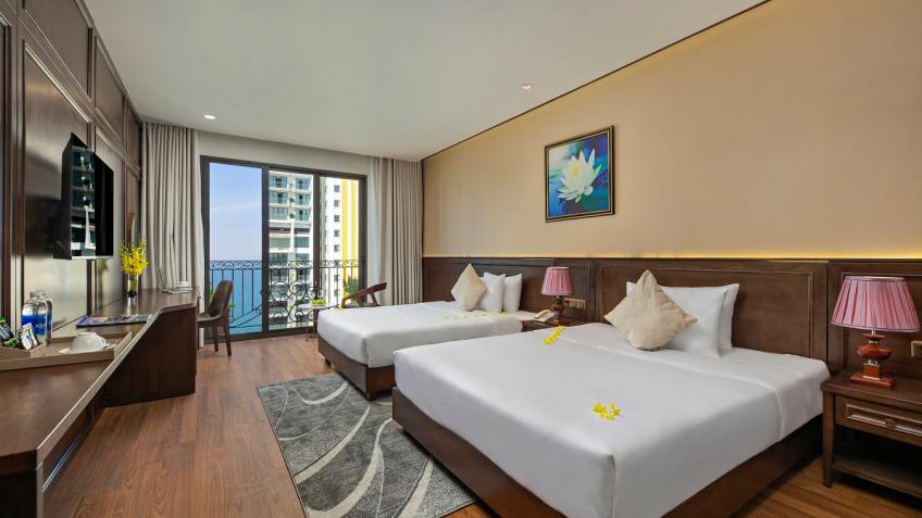 Suite CitySea View With Balcony