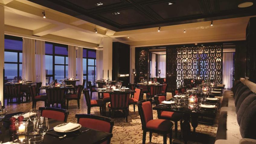 Nhà hàng gần biển Hyatt Regency Đà Nẵng Resort & Spa
