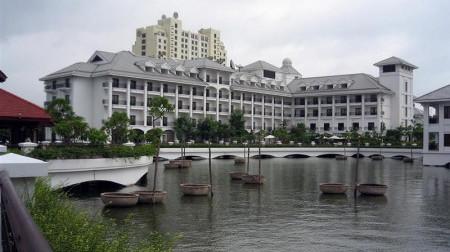 Khách sạn Intercontinental Westlake Hà Nội