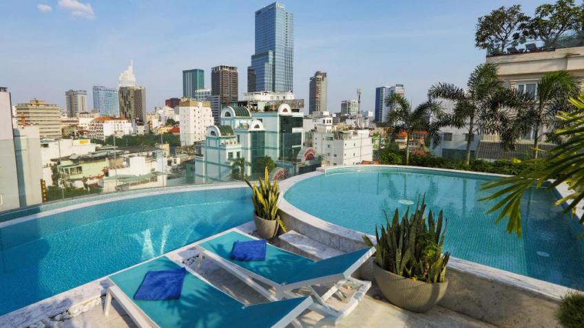 Hồ Bơi Khách Sạn A&Em Sài Gòn