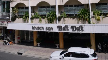 Khách sạn Bát Đạt Hồ Chí Minh