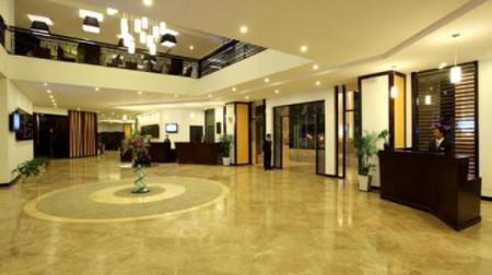 Khách sạn CenDeluxe
