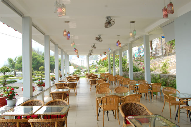 Bar and Cafe