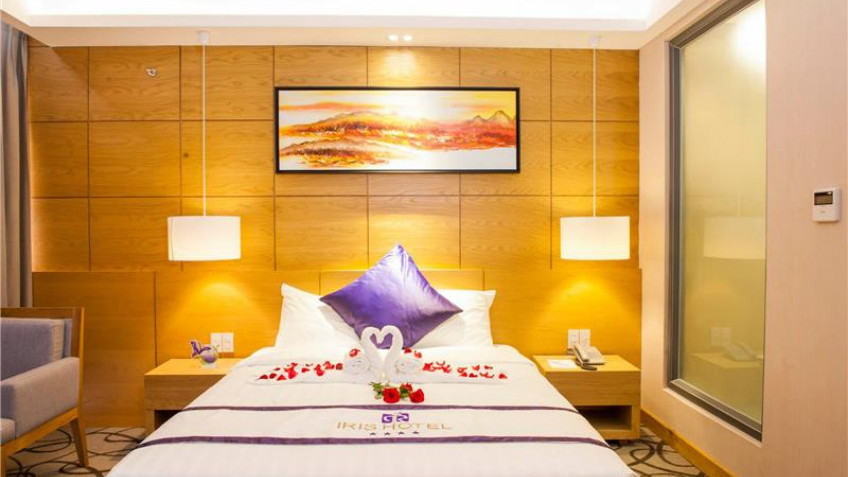 Phòng Suite Khách sạn Iris Cần Thơ