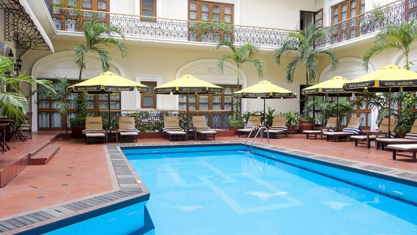 Swimming Pool khách sạn Majestic Sài Gòn