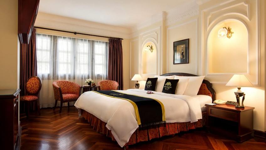Colonial Deluxe khách sạn Majestic Sài Gòn