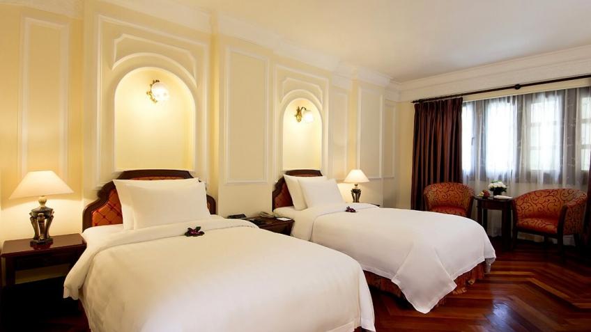 Colonial City Deluxe khách sạn Majestic Sài Gòn
