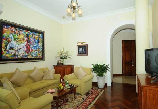 Conlonial Majestic Suite2