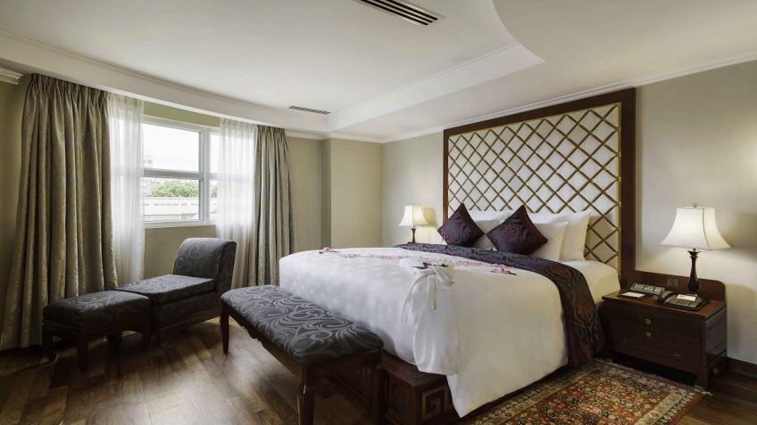 Phòng Presidential Suite khách sạn Rex Sài Gòn