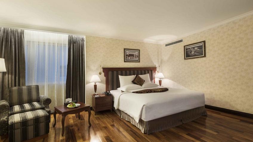 Phòng Premium khách sạn Rex Sài Gòn