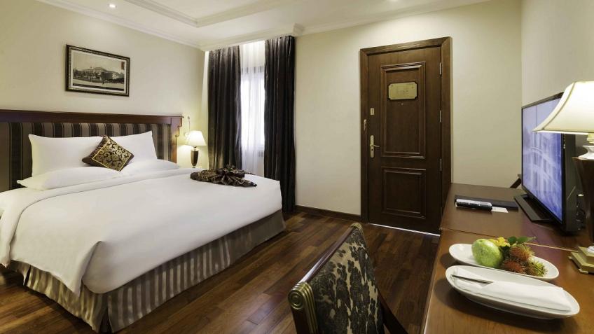 Phòng Deluxe khách sạn Rex Sài Gòn