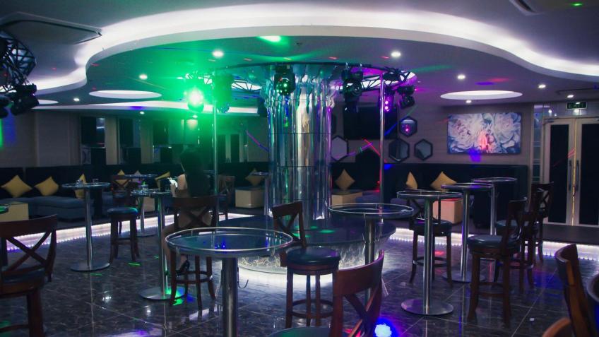 Phòng Karaoke Royal Huy Hotel