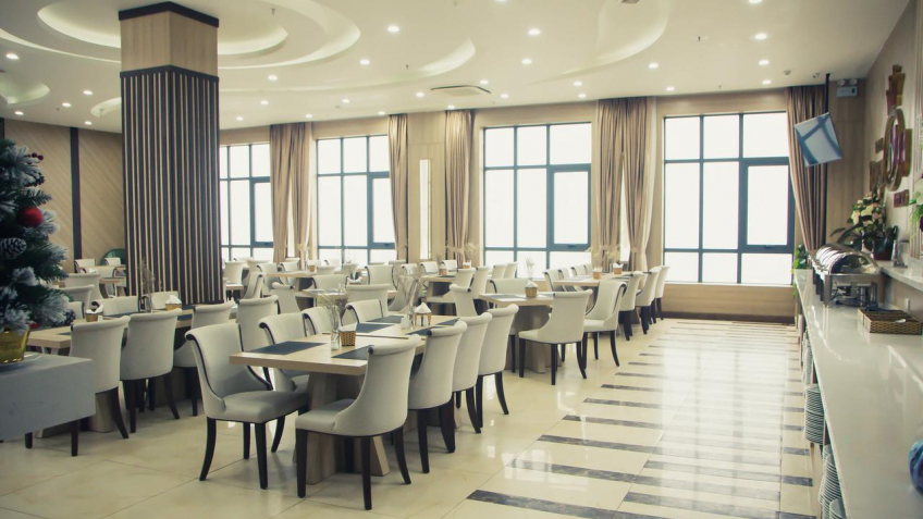 Nhà Hàng Royal Huy Hotel