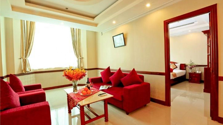 Phòng Suite River View Khách sạn Vạn Phát Riverside Cần Thơ