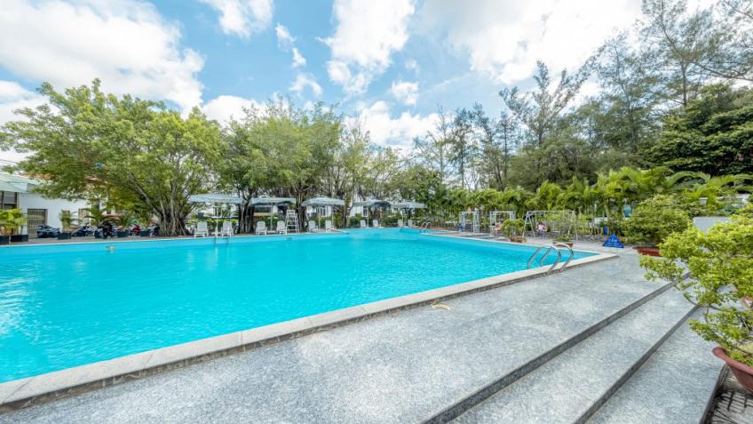 Hồ Bơi Khách sạn Vạn Phát Riverside Cần Thơ