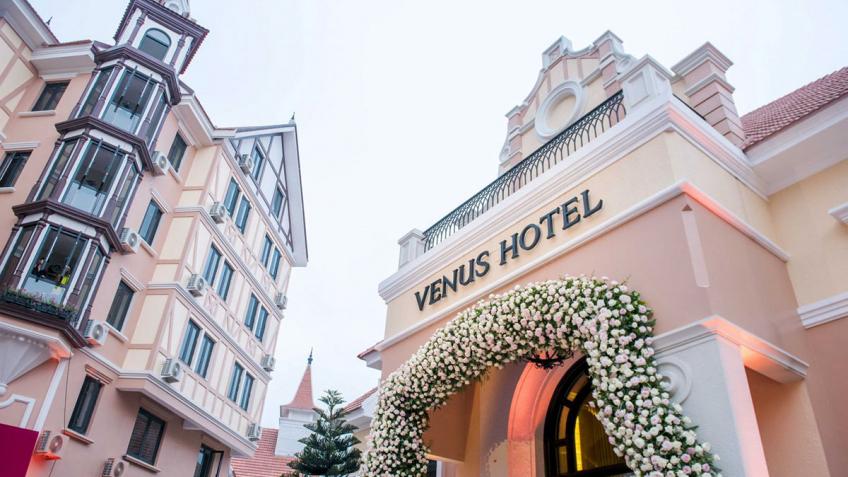 Lối đi vào của khách sạn Venus