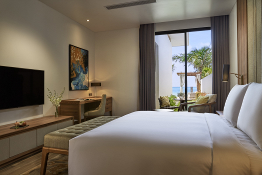 Superior King Room with Direct Pool Access