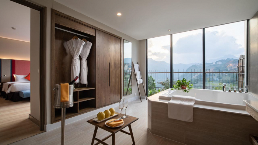 Phòng tắm Red Dao Suite
