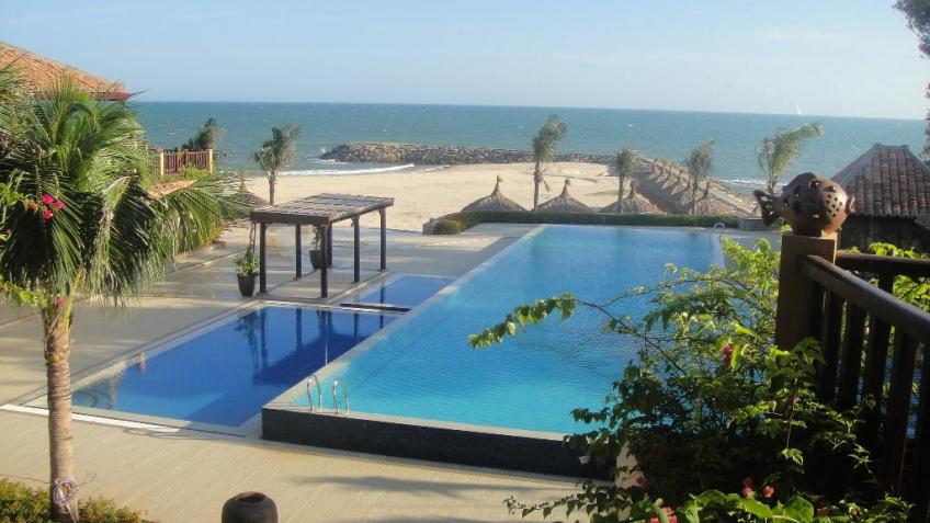 Bể bơi ngày trời Poshanu Resort Phan Thiết